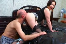 Experienced russian mistress and her cuntlicker