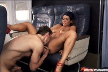 Stewardess gave to lick cunt in the plane