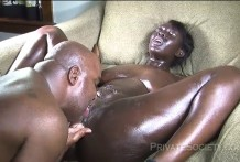 Cunnilingus for ebony pussy in oil