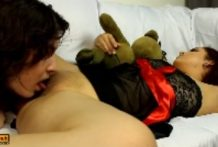 Woman Feed Her BF Her Pussy While Sleeping