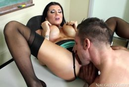 Romi Rain persuaded her student to lick her twat