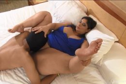 BBW goddess enjoys cunnilingus